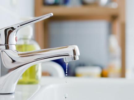 Compania de Apă Oradea: Întreruperi în furnizarea apei potabile din cauza lucrărilor de intercalare a reţelei