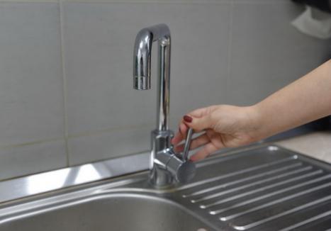 Compania de Apă Oradea: Locuitorii de pe mai multe străzi din Sântandrei și din Palota rămân marți fără apă