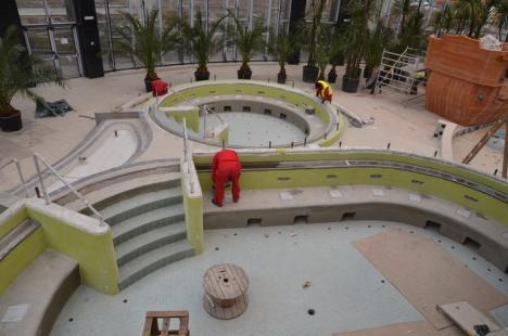 O scaldă cu Aquapark-ul! Edilii au prelungit termenul de execuţie, dar tot nu ştiu când deschid complexul Nymphaea (FOTO)