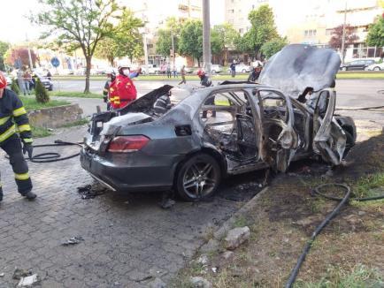 Detalii noi în cazul asasinatului cu bombă din Arad: Anchetatorii au găsit urme ADN în maşină (VIDEO)