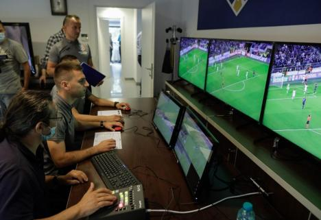 Bihorenii Octavian Şovre, Rareş Vidican şi Ciprian Danşa, implicaţi în implementarea tehnologiei VAR în arbitrajul românesc (FOTO)