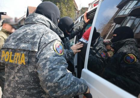 Un tânăr de 33 de ani din Oradea, urmărit naţional, a fost încarcerat pentru trafic de droguri