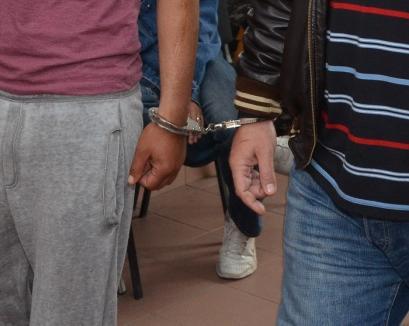 Doi bărbaţi din Petreu au ajuns în arest după ce şi-au băgat un consătean în spital