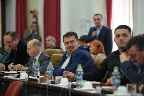 Incompetenţă la Consiliul Judeţean Bihor: Şefii instituţiei au vrut să scumpească taxele de urbanism, dar n-au putut din cauza propriilor subalterni