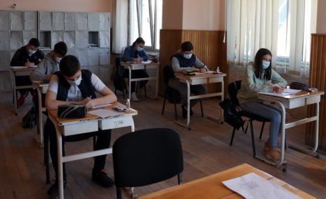 Bacalaureat în pandemie: 61% dintre elevii din Bihor au promovat examenul. Cinci au media 10!