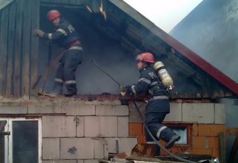 Casă distrusă de incendiu, în Făncica