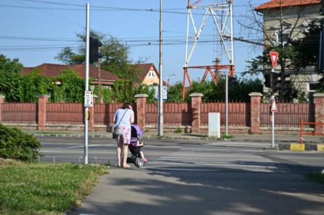 Ne enervează: De ce merg și nu merg semafoarele din intersecţia Calea Aradului-Decebal