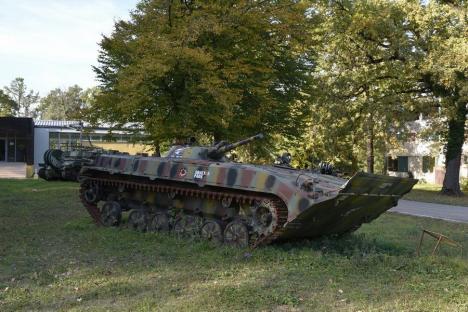 Jocuri de război: Militărie și relaxare între tancuri, tunuri, aquapark şi tiroliene, la Arsenal Park Transilvania, la numai câteva ore de Oradea (FOTO / VIDEO)