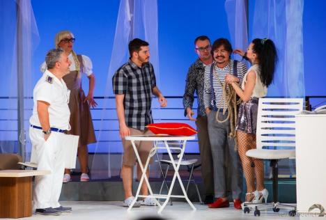 Actorii trupei 'Iosif Vulcan' participă la patru festivaluri din ţară în lunile mai şi iunie