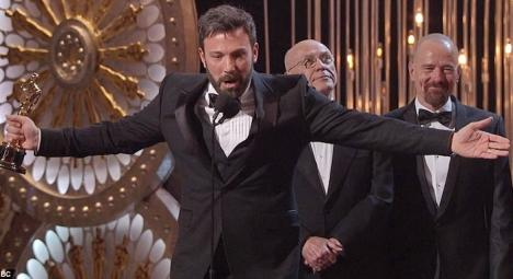 """""""Argo"""", în regia lui Ben Affleck, a câştigat premiul pentru cel mai bun film la Oscar 2013"""