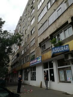 Tragedie în Oradea. O tânără de 21 de ani s-a aruncat de la etajul 4! (FOTO)