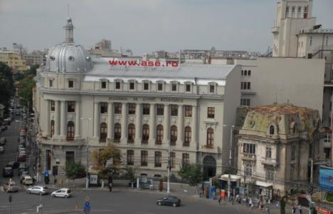 Corupţia academică: Prodecanul de la ASE Bucureşti accepta şpăgile studenţilor în rate