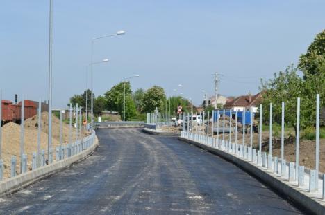 Se asfaltează! Drumul expres se închide pentru două zile în zona staţiei CFR (FOTO)