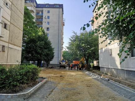 Carosabilul din strada Alexandru Xenopol va fi lărgit pentru a face loc maşinilor (FOTO)