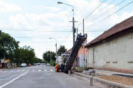 Accesul interzis! Strada Vlădeasa se închide până marţi traficului auto pentru lucrări de asfaltare