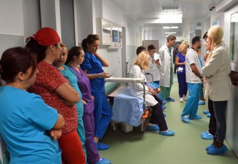 Mărţişor salarial: De la 1 martie, cresc spectaculos salariile medicilor, asistenţilor şi profesorilor