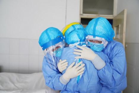Oficial: Încă trei decese în Bihor la pacienţi cu coronavirus, între care un bărbat de 49 de ani