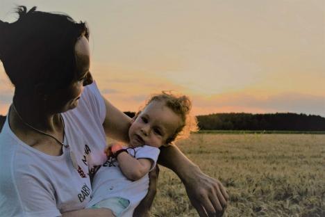 Armata de îngeri: Cum a reușit o echipă de inimoși să strângă 2,4 milioane de dolari, în mai puțin de un an, pentru salvarea micuțului Noel (FOTO / VIDEO)