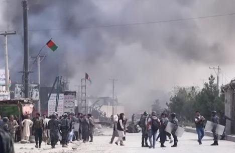 Atac taliban la Ambasada României din Kabul: Un diplomat român a murit 'pentru a-i salva pe ceilalţi', altul este grav rănit (VIDEO)