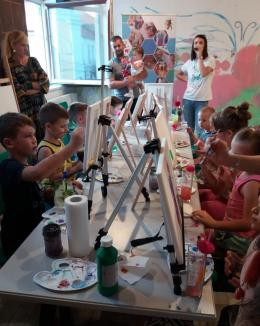 Start la atelierele Smartistactiv pentru copii: De la pictură şi modelaj, până la bune maniere sau program afterschool (FOTO)