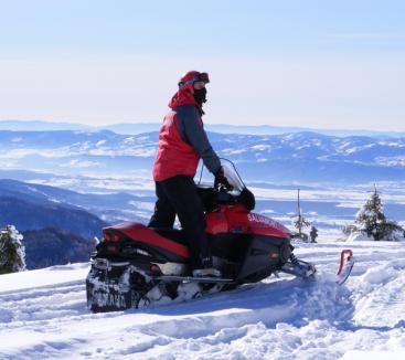 Salvamontiştii au o iarnă grea, cu multe accidente pe pârtii