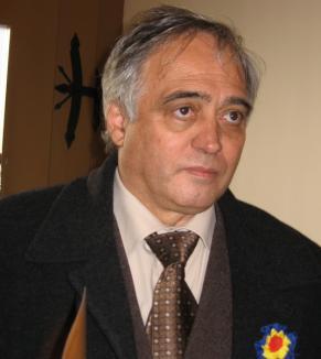 Ţîrle cere demisia directorului Muzeului, Aurel Chiriac