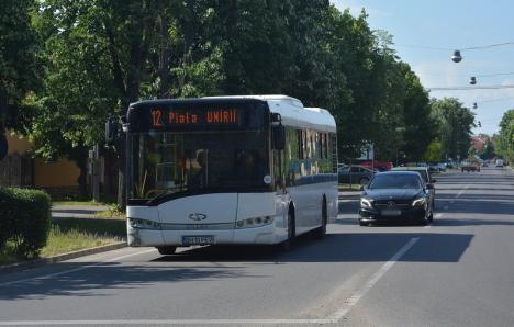 Traseele liniilor de autobuz 12 şi 14 vor fi modificate, miercuri, pentru Carnavalul Florilor