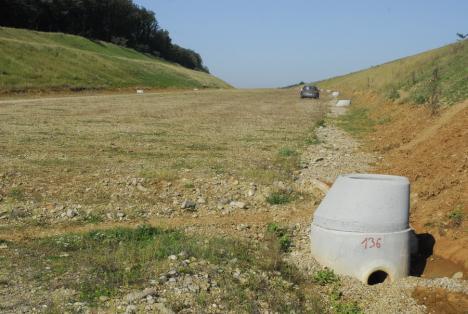 Război pe autostradă: Contractul pentru tronsonul Biharia-Chiribiș ar putea fi rupt de CNAIR și Beni Rus (FOTO)