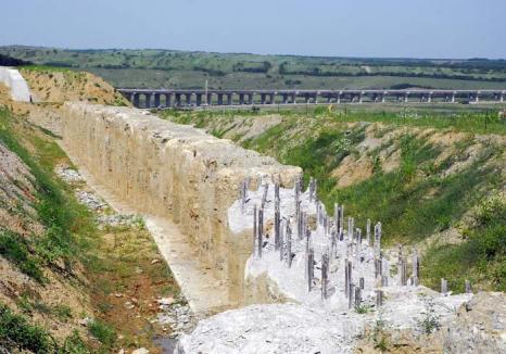 Banii înapoi! Statul şi-a recuperat avansul plătit constructorului care a abandonat Autostrada din Bihor