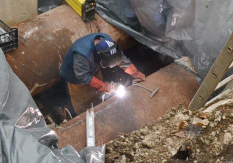 Termoficare Oradea: Lucrările pentru remedierea avariei de pe Magistrala 1 au fost finalizate mai repede