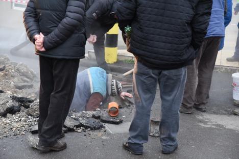 O avarie pe reţeaua magistrală din Bulevardul Dacia a lăsat fără încălzire mii de apartamente (FOTO)