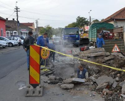 Centrul oraşului şi cartierele Dragoş Vodă, Velenţa şi Nufărul au rămas fără apă caldă şi căldură