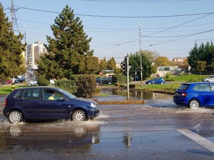 Compania de Apă Oradea: Mai multe străzi fără apă în urma avariei de pe Bulevardul Dacia