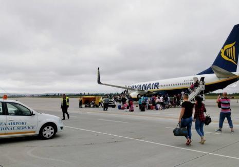 Avionul a plecat! Cursa Oradea - Milano, anulată de Ryanair din cauza furtunii, a fost reluată duminică dimineaţă (FOTO)
