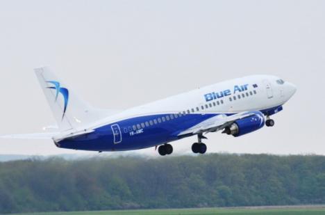 Incident în aer: Un avion al Blue Air a aterizat de urgență pe Aeroportul Otopeni, după ce un motor ar fi cedat în timpul zborului