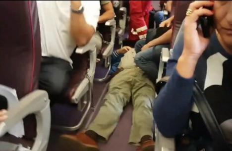 Clipe de groază într-un avion Wizz Air care a decolat de la Bucureşti (VIDEO)