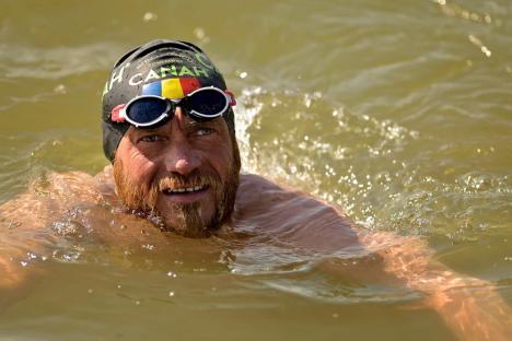 Recordul recordurilor: Avram Iancu vrea să înoate 3 zile şi 3 nopţi în lacul Balaton