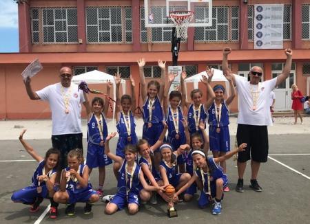Echipa BC Rookies Oradea, medaliată cu bronz la Liga Naţională de baby baschet de la Mangalia
