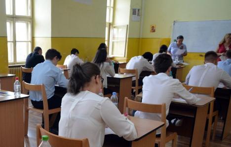A început Bacul: Peste 4.300 de elevi bihoreni susţin primele examene