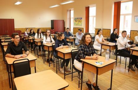 Începe Bacalaureatul! Absolvenţii de liceu susţin probele de competenţe