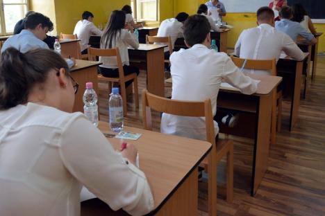 O notă de amatorism: Unii profesori care au corectat lucrări la Bac se dovedesc mai tăntălăi ca elevii