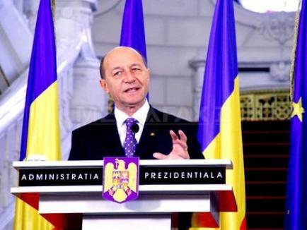 Constituţia lui Băsescu: reţineri de 48 de ore şi confiscarea averilor ilicite!