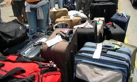 Moldovean ascuns printre bagaje, prins în Borş