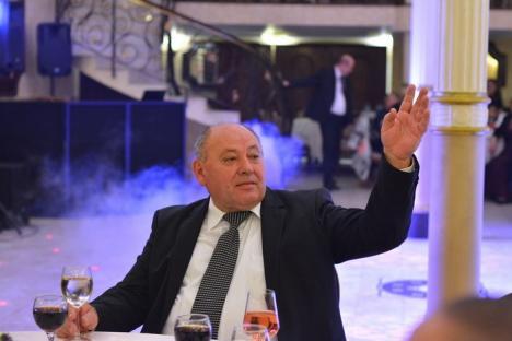 Mihai Neşu, la Balul caritabil organizat de notarii din Oradea pentru centrul său de recuperare: 'Fundaţia este bucuria cea mai mare din viaţa mea' (FOTO)