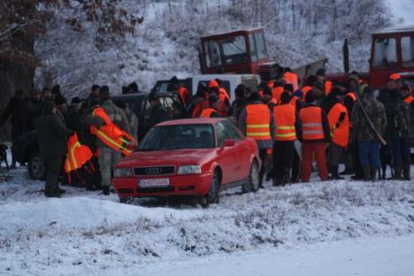 Bilanţul primei zile a vânătorii de la Balc: peste 100 de mistreţi împuşcaţi (FOTO)