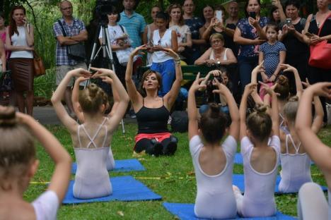 Balet în aer liber, la Oradea: Parcul Libertăţii, 'inundat' de graţie şi eleganță (FOTO / VIDEO)