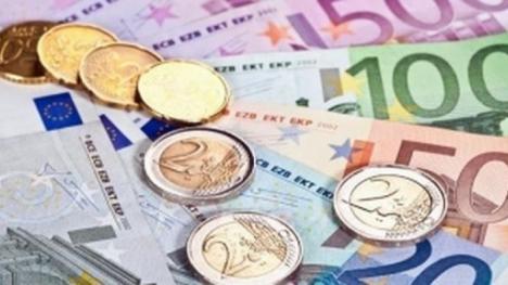 Doar cu explicaţii: Românii din afara ţării vor trebui să justificele sumele peste 1.000 de euro trimise în ţară