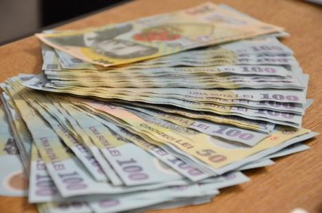 Un lichidator judiciar orădean s-a ales cu dosar penal pentru că şi-a luat onorariul dintr-un cont bancar sechestrat pentru evaziune