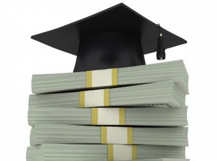 Studenții și elevii critică Guvernul pentru programul de credite cu dobândă zero: Va duce la creșterea taxelor de școlarizare!
