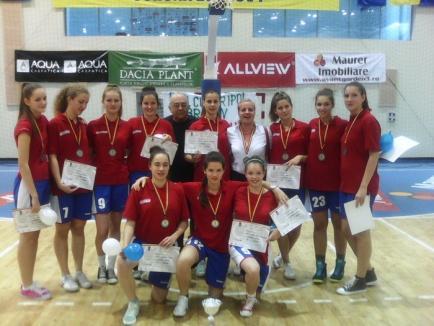 """Baschetbalistele de la """"Eminescu"""" au devenit vicecampioane naţionale la categoria U17"""